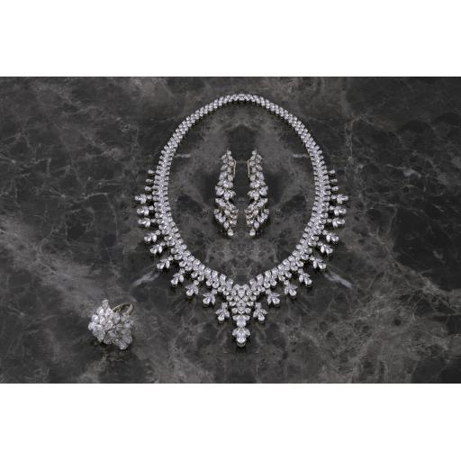 Amiri Gems Wedding Sets2